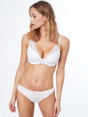 Soutien-gorge n°6 - triangle ampliforme en dentelle, bonnet d blanc.