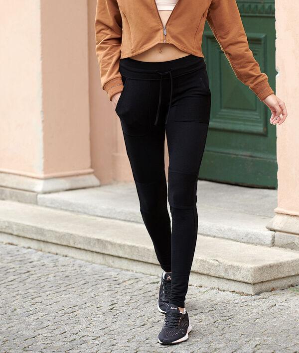Sportswear-Hose mit Taschen;${refinementColor}