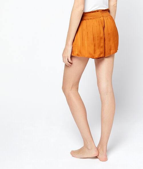 Shorts mit gesmoktem Gürtel